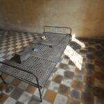 S-21 tuol sleng, letto per torture - foto di andrea cassano